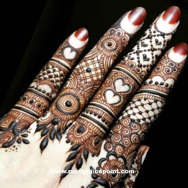 11 Beautiful Mehndi Designs