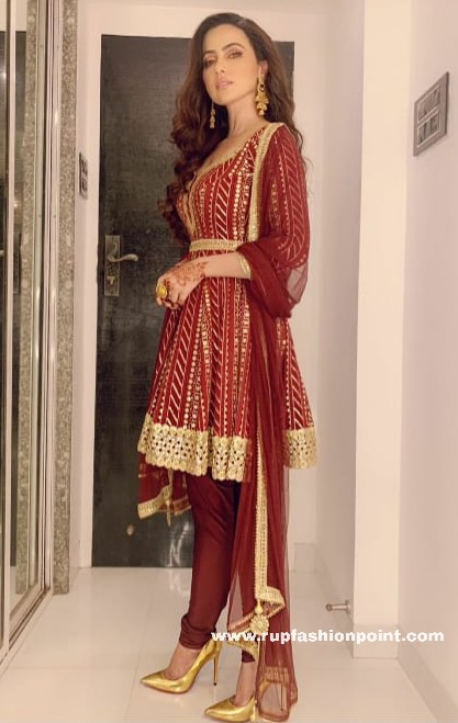 Red Hot Sana Khan In Poonams Kaurture