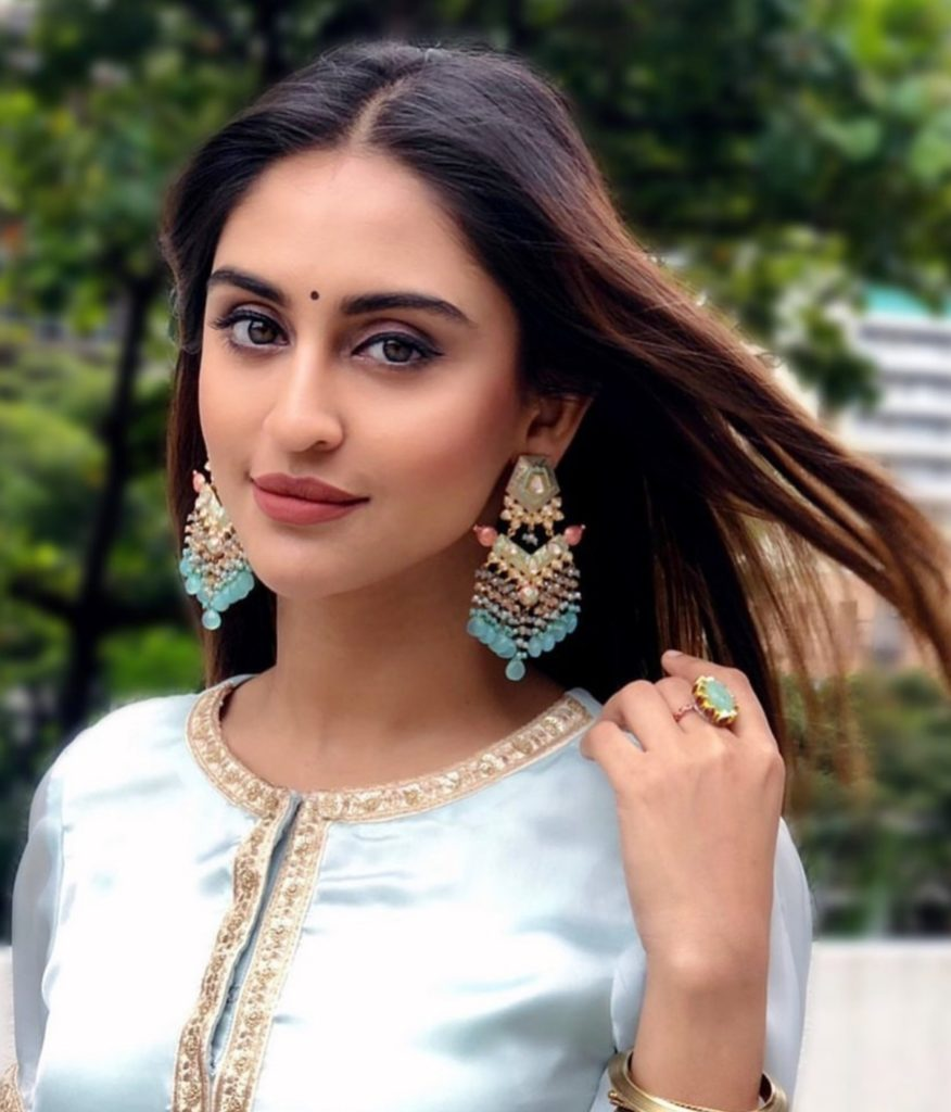 Krystle D Souza in NIne Ombre