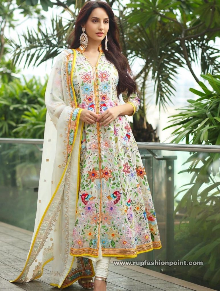 Nora Fatehi wearing 'Birds of Paradise'
